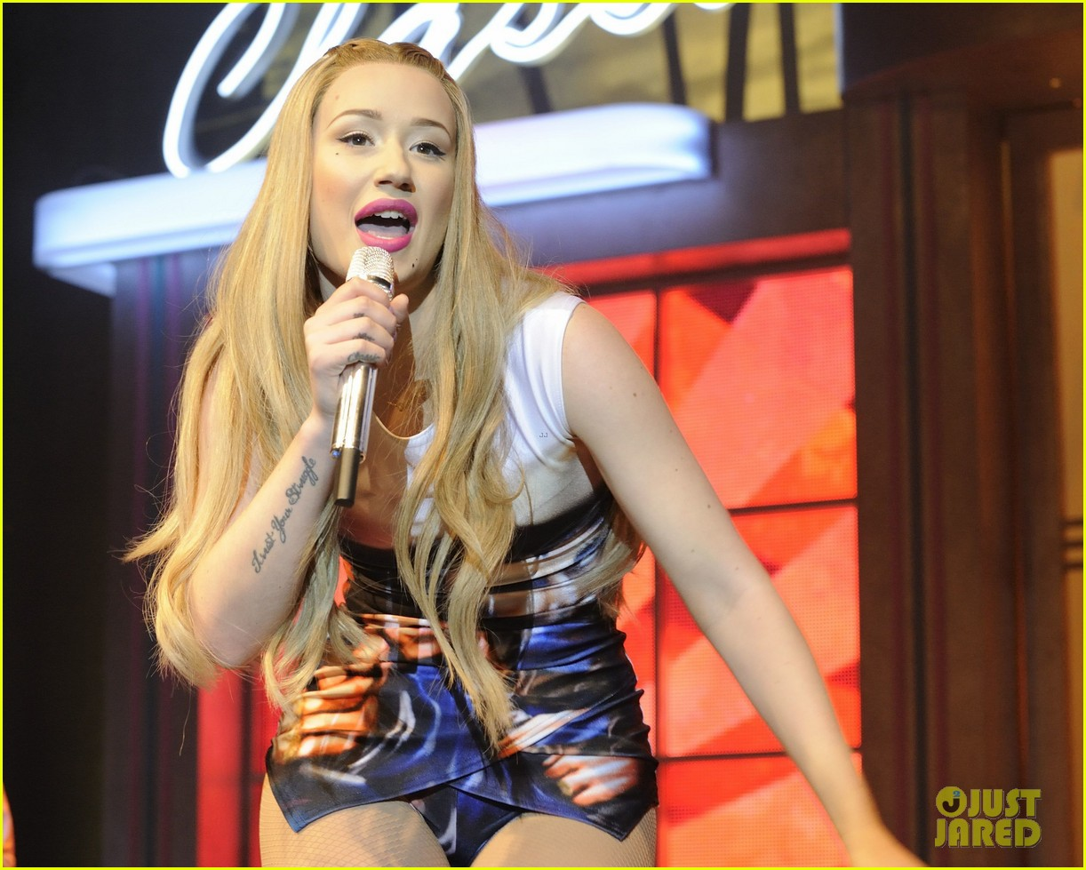 iggy azalea opens up about her sexuality 163100092