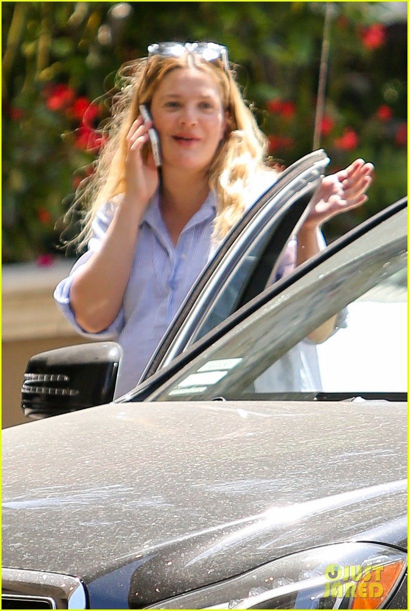 pregnant drew barrymore pop any day now 093090955