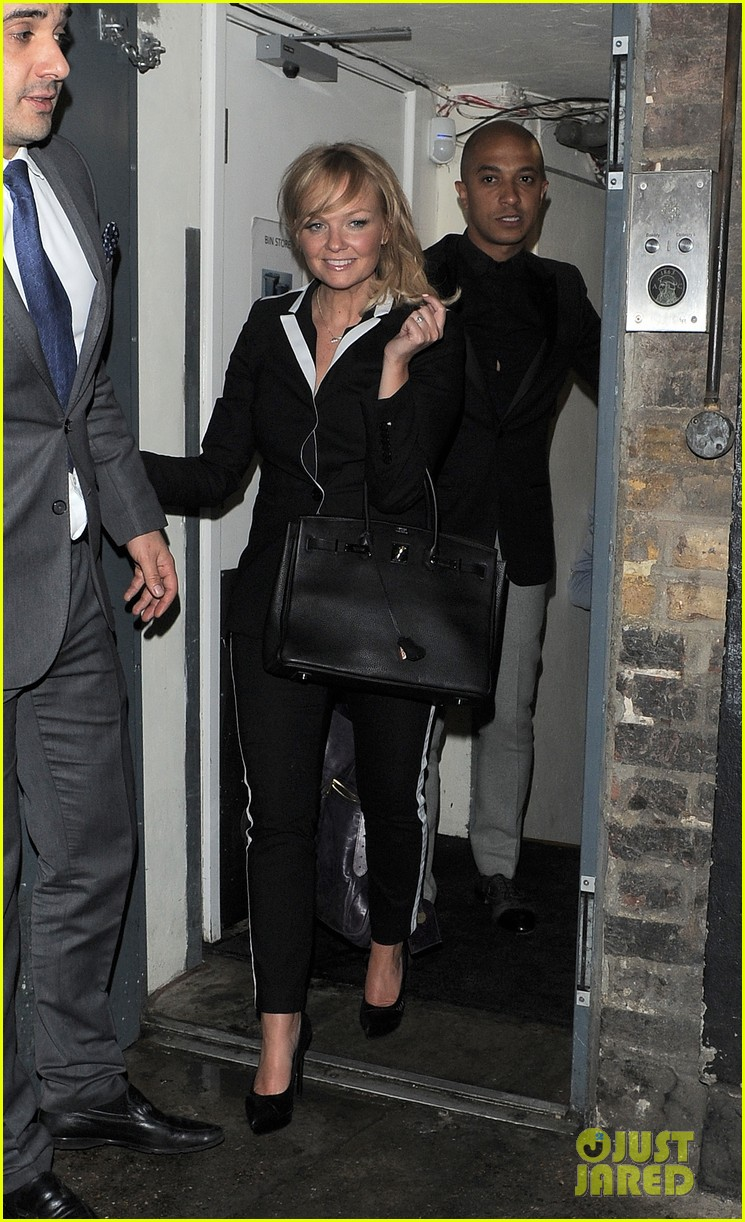 victoria beckham continues bday festivities at londons arts club 013100630