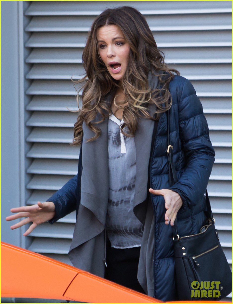 kate beckinsale films absolutely anything with a really nice car 023093288