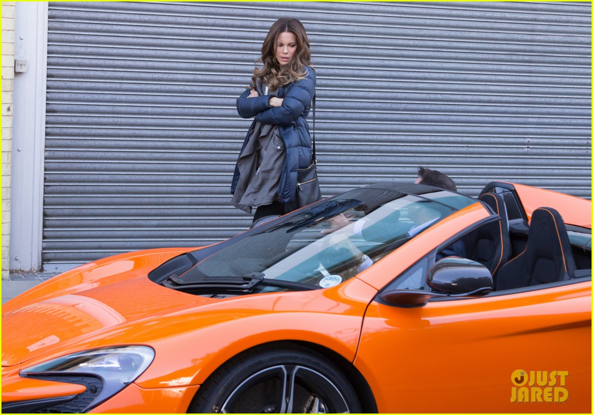 kate beckinsale films absolutely anything with a really nice car 143093300