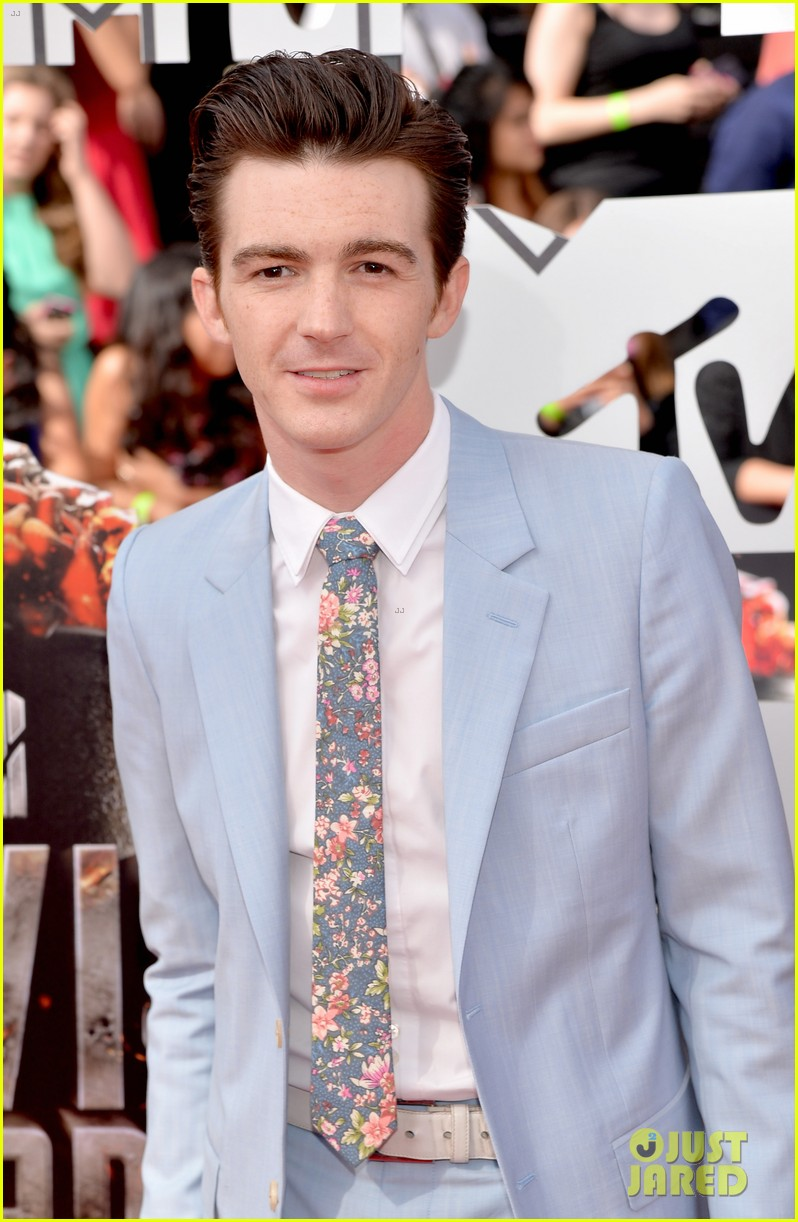 drake bell mtv movie awards 2014 023091104