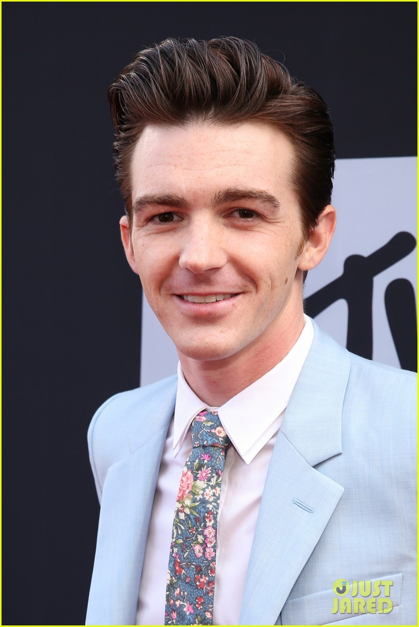 drake bell mtv movie awards 2014 043091106