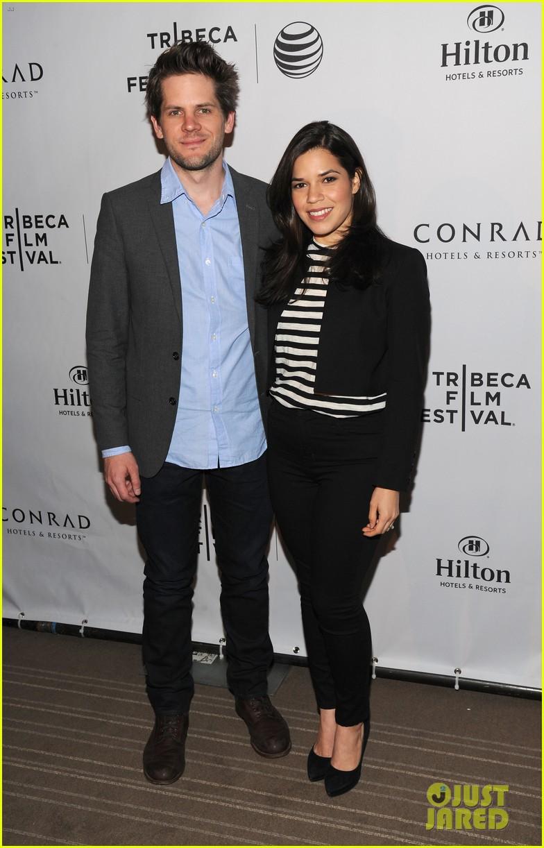 pregnant lake bell joins heather graham america ferrera at tribeca film festival awards 2014 053099097
