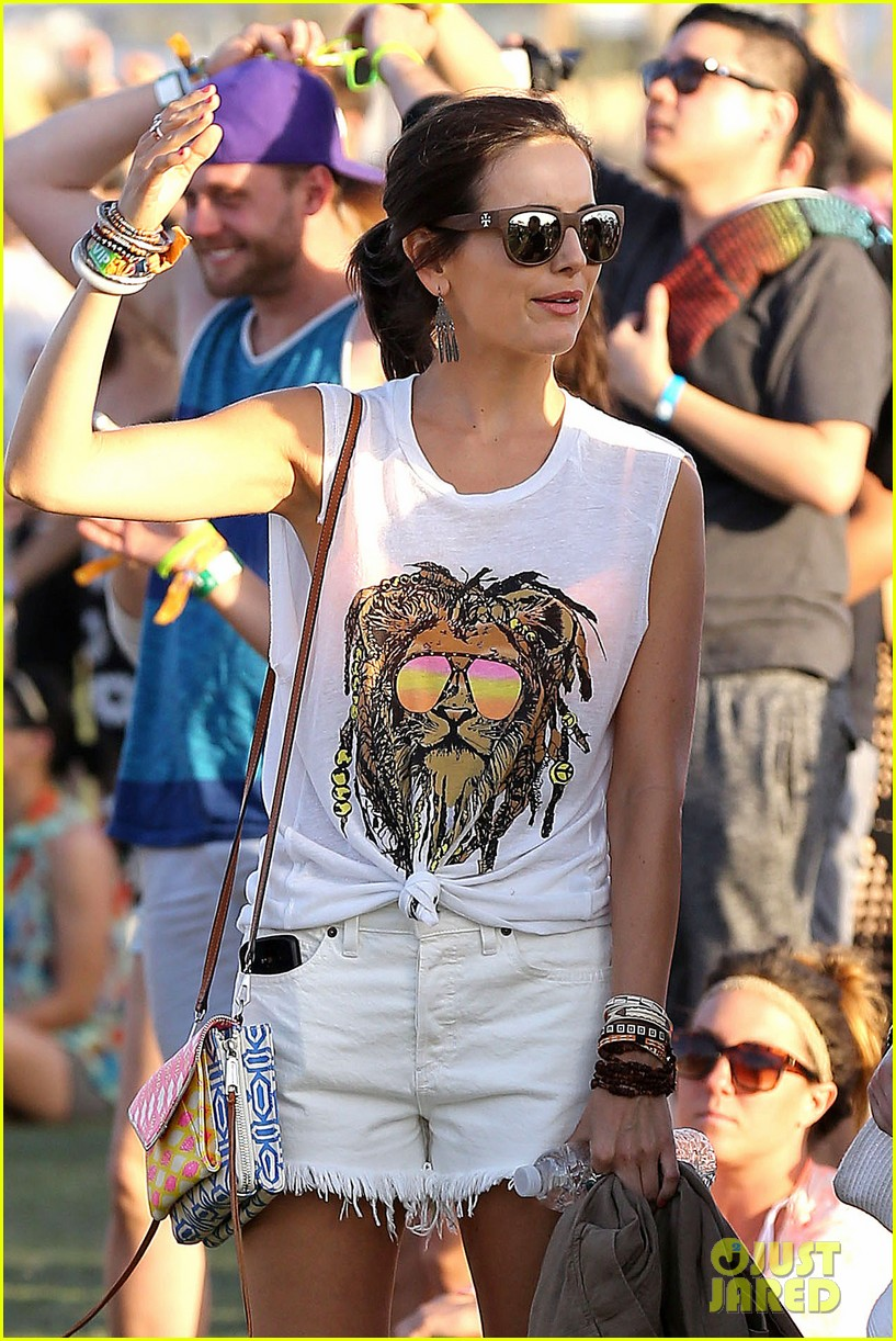 camilla belle rocks out at coachella 053091610