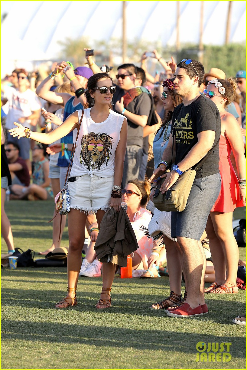 camilla belle rocks out at coachella 203091625