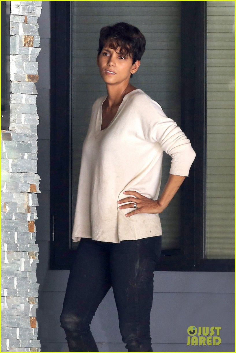 halle berry extant gains greys anatomy star 063088012