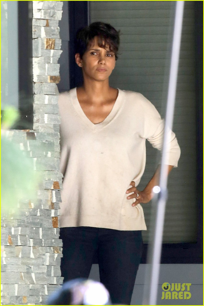 halle berry extant gains greys anatomy star 103088016