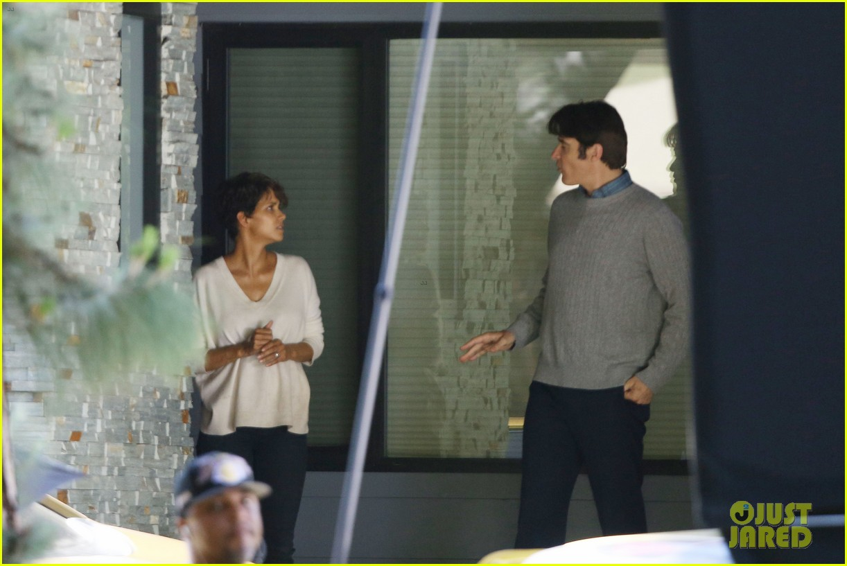 halle berry extant gains greys anatomy star 15