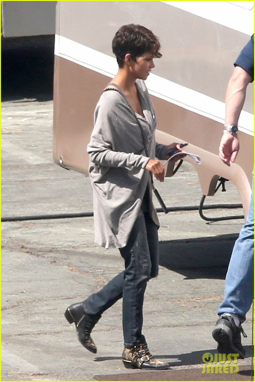 halle berry extant new golden age of television 053093118