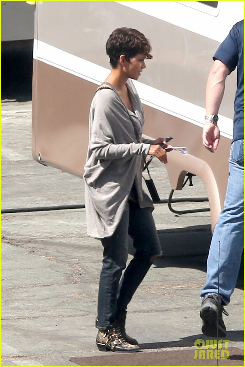halle berry extant new golden age of television 073093120