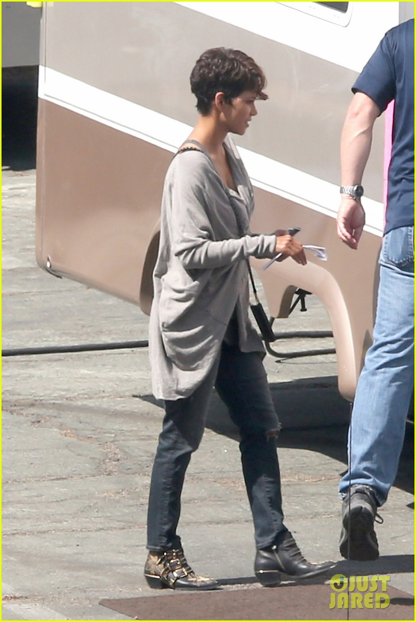 halle berry extant new golden age of television 093093122