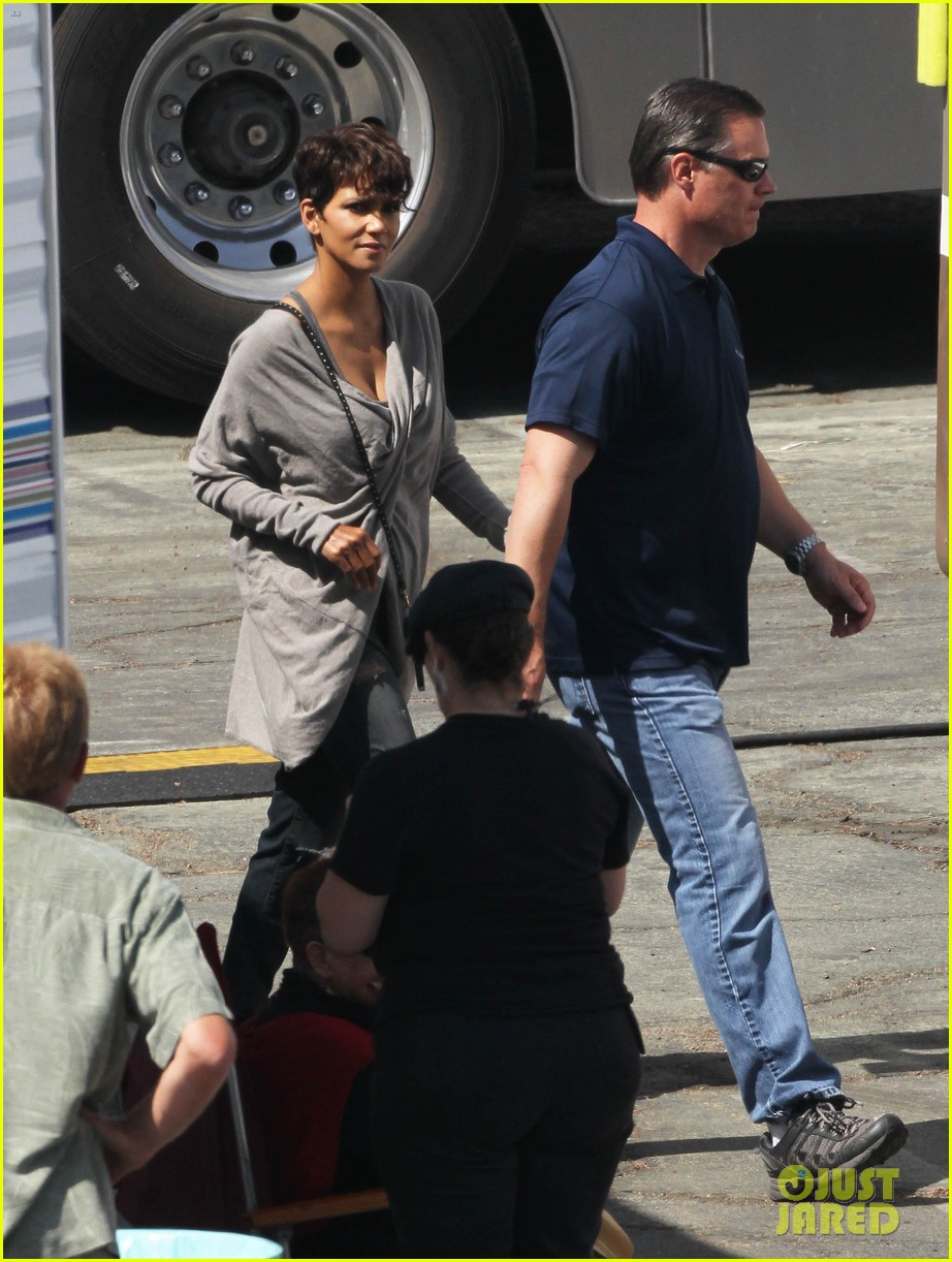 halle berry extant new golden age of television 11