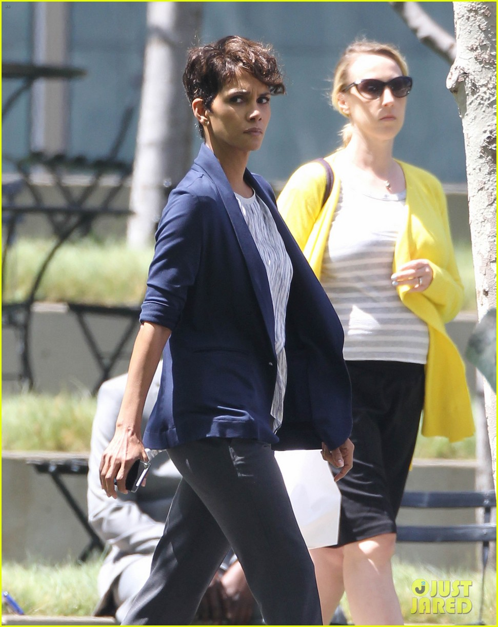 halle berry extant new golden age of television 173093130