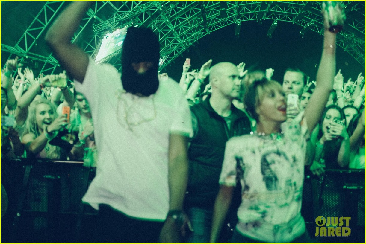 beyonce dances husband jay z coachella 043095765
