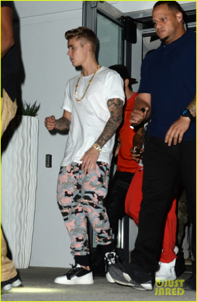 justin bieber austin mahone 18th birthday dinner 083084308