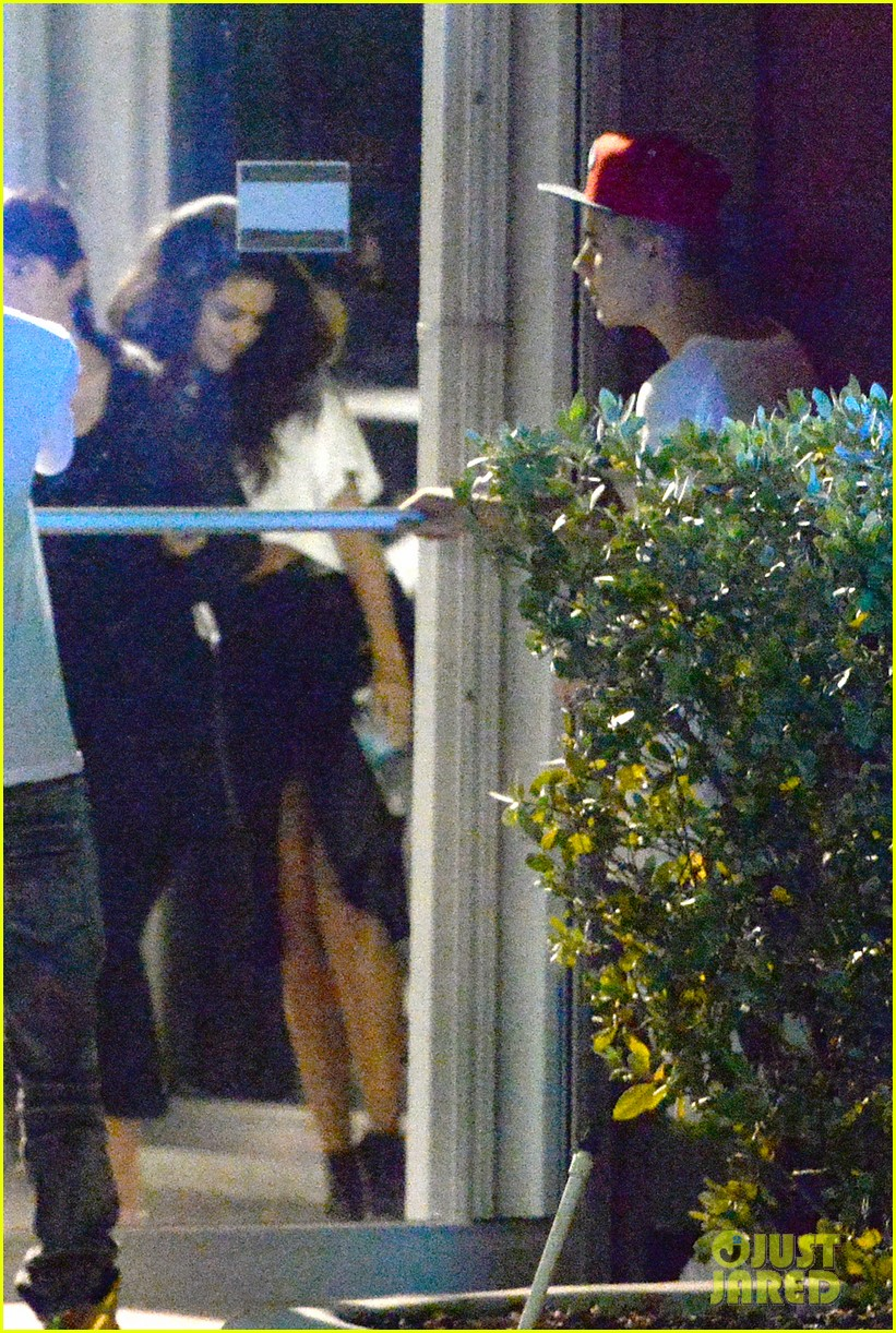 selena gomez joins justin bieber for a studio session 123087395
