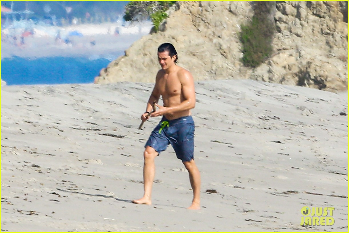 orlando bloom shirtless beach body 423096224