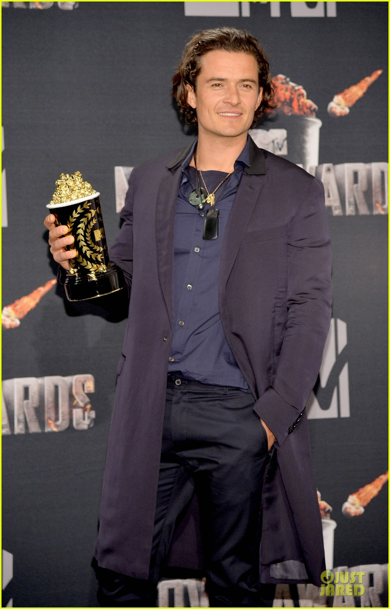 orlando bloom wins at mtv movie awards 2014 053091390