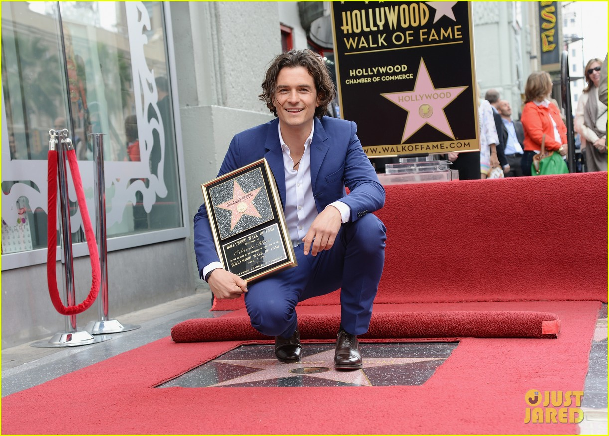 orlando bloom receives star on hollywood walk of fame 033083438