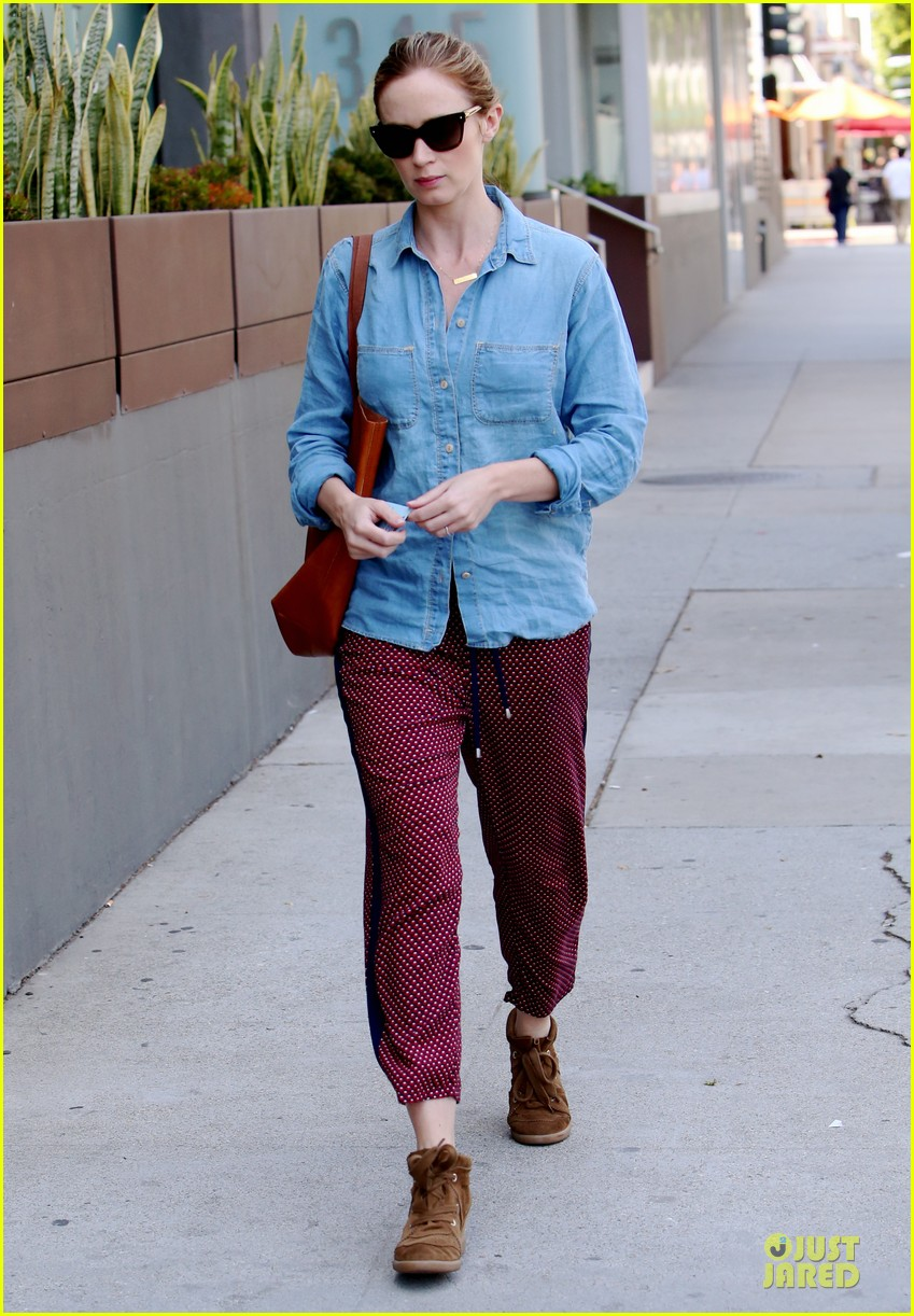 emily blunt denim shirt perfect mix 133093678