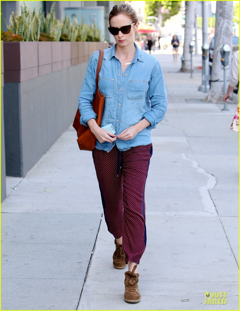 emily blunt denim shirt perfect mix 143093679