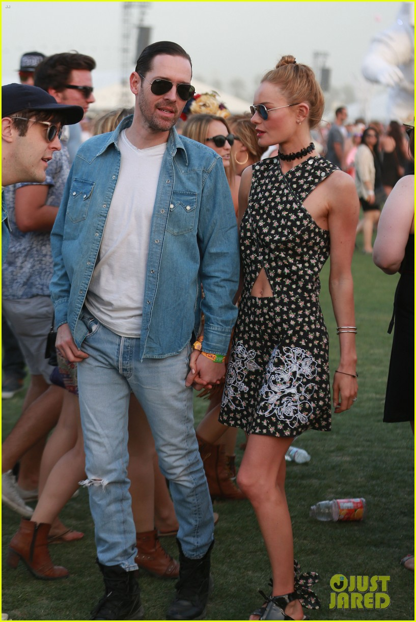 kate bosworth michael polish display pda at coachella 103090231
