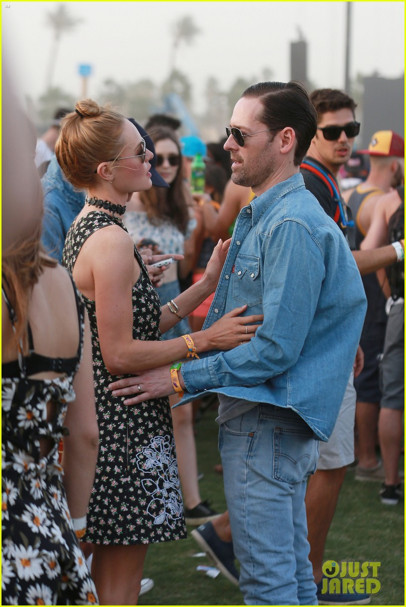 kate bosworth michael polish display pda at coachella 12