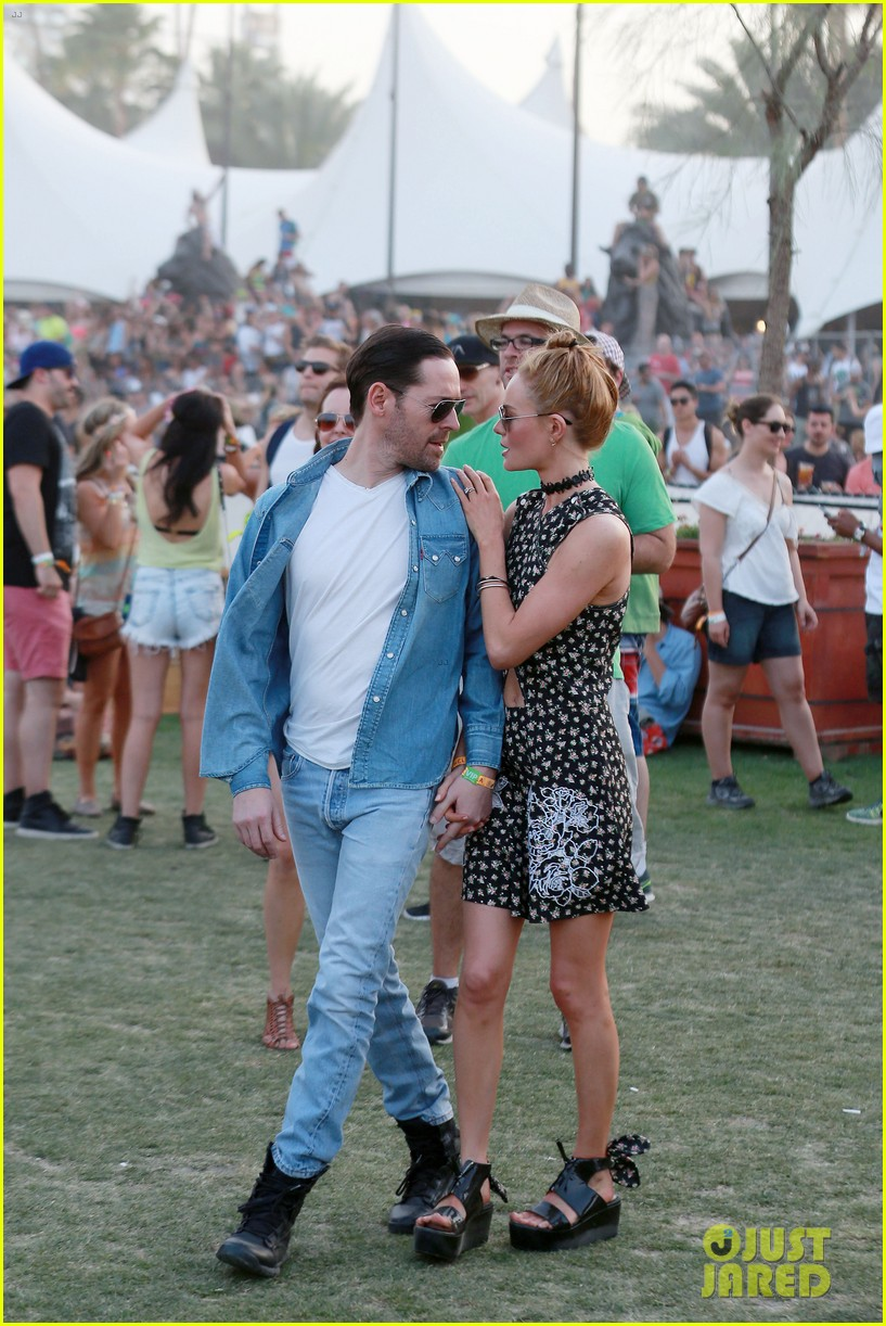 kate bosworth michael polish display pda at coachella 143090235