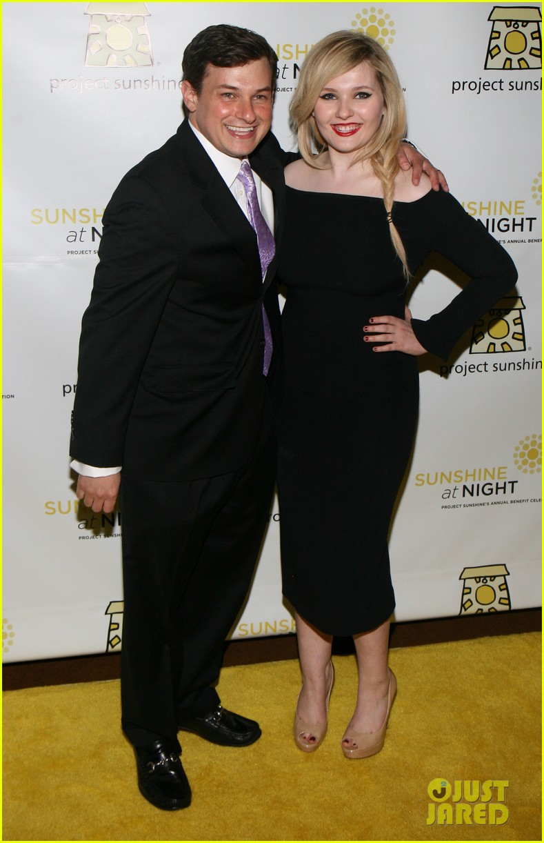 abigail breslin all grown up project sunshine benefit 033102290