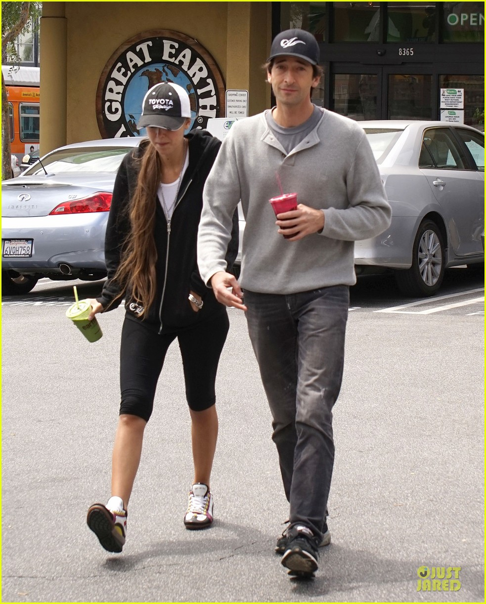adrien brody hairy incidents racing cars 013092345