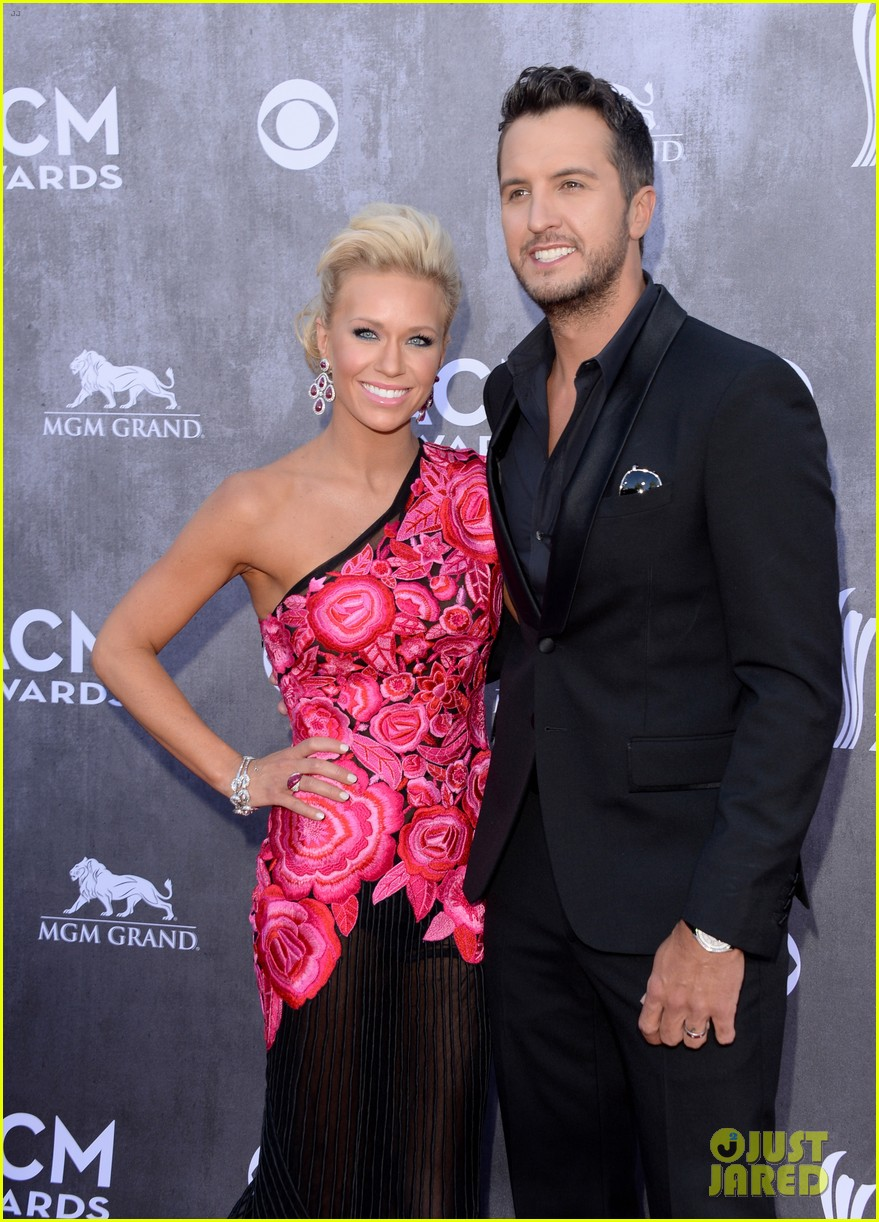 luke bryan acm awards 2014 red carpet 013085824
