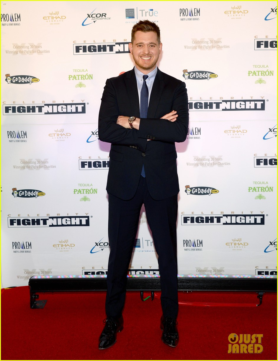 michael buble receives muhammad ali humanitarian award 013090882