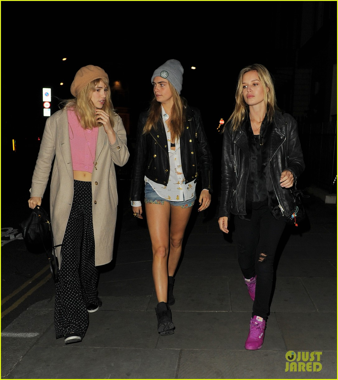 suki waterhouse cara delevingne girls night out georgia may jagger 04
