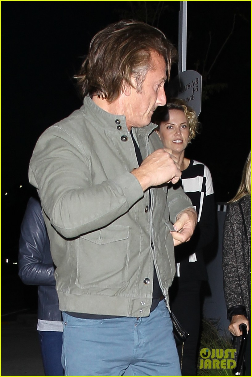 charlize theron sean penn not engaged yet 193100352