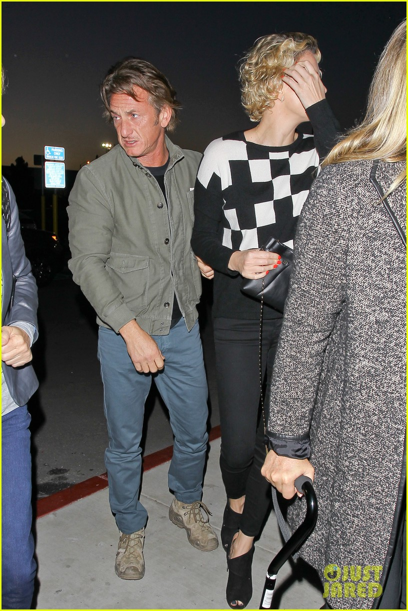 charlize theron sean penn not engaged yet 243100357