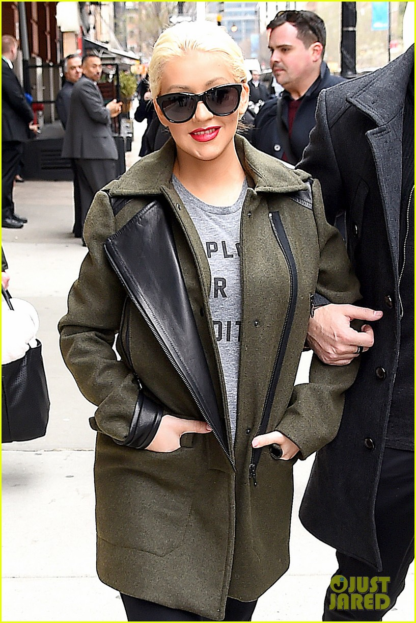 christina aguilera shares adorable baby bump pic her baby loves nyc 023093952