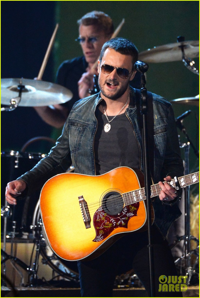eric church performs give me back my hometown at acm awards 2014 01