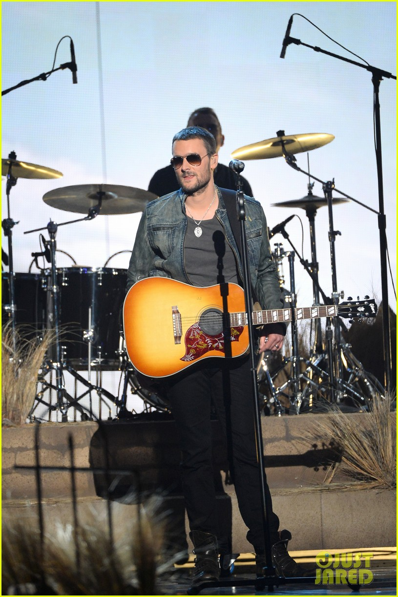 eric church performs give me back my hometown at acm awards 2014 033085971