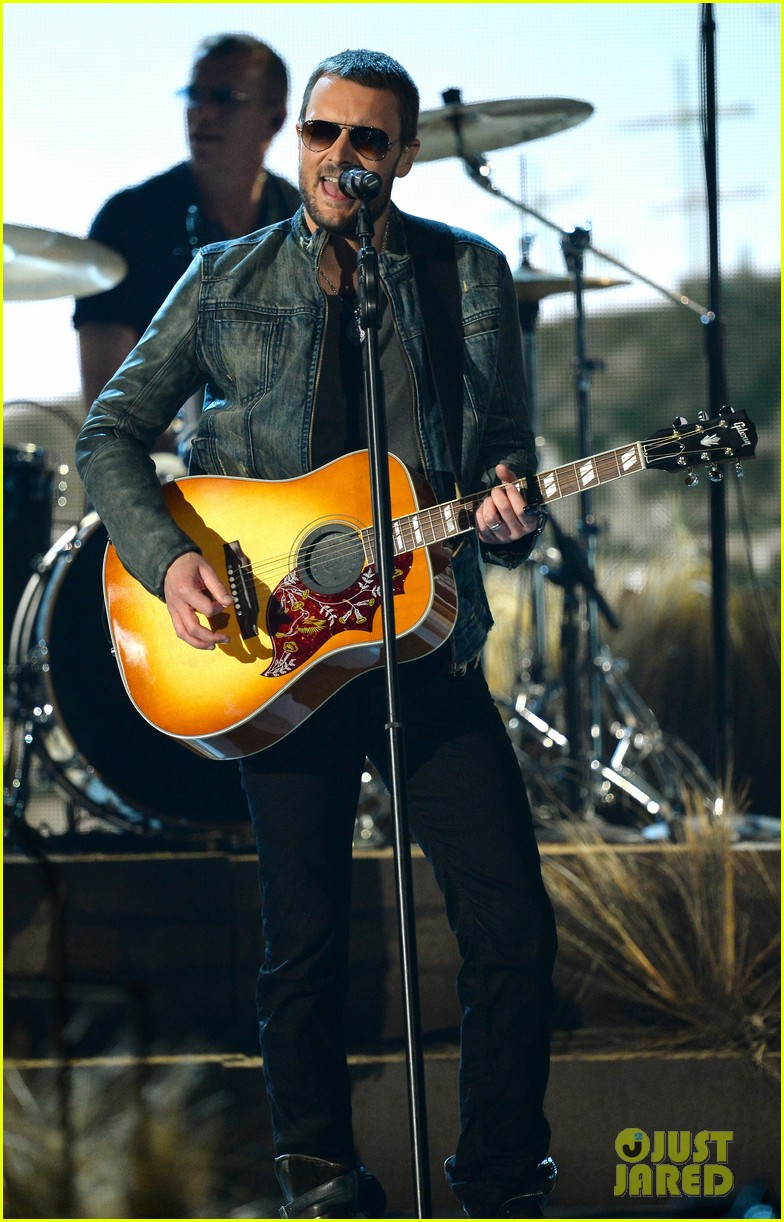 eric church performs give me back my hometown at acm awards 2014 05