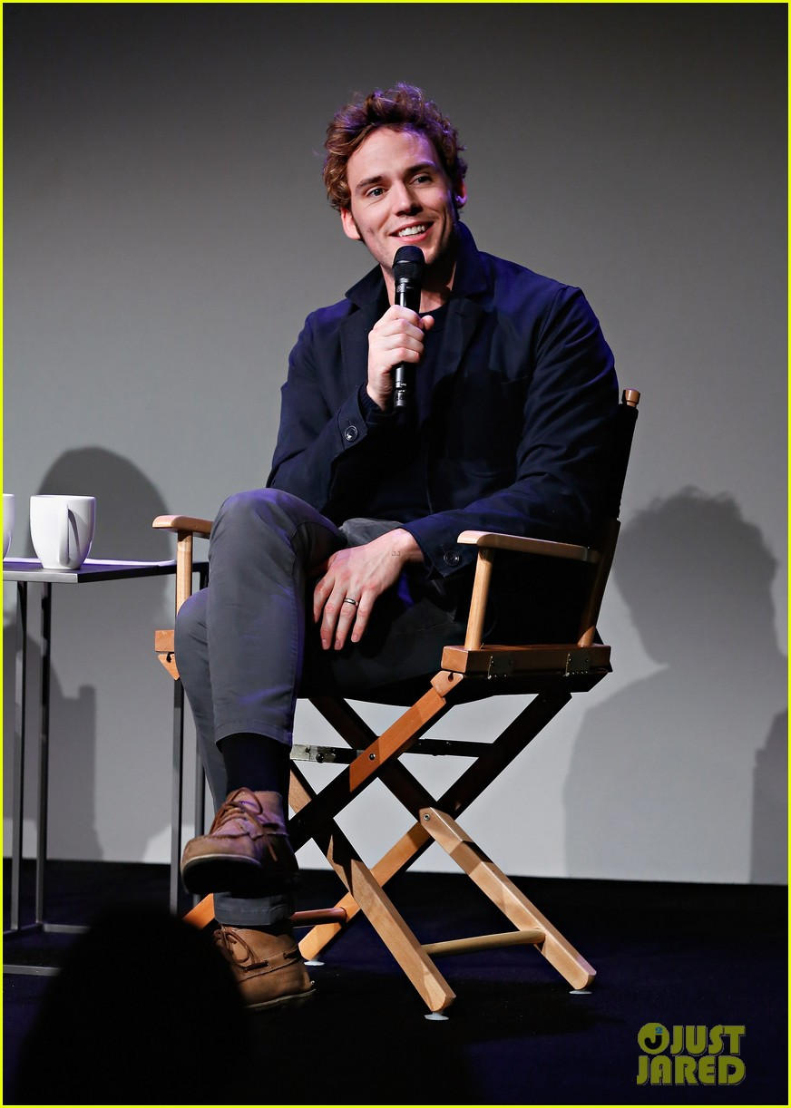 sam claflin promotes the quiet ones at his meet the actors session in nyc 023093273