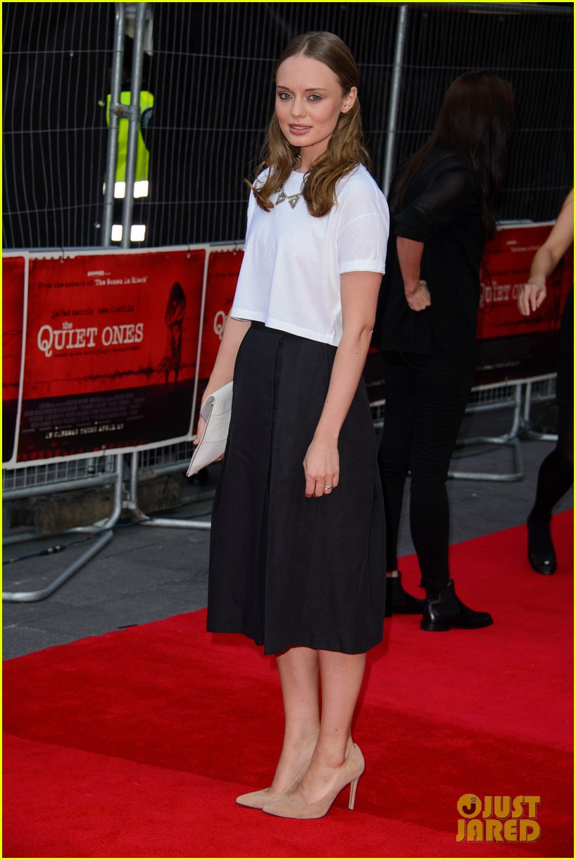 sam claflin brings wife laura haddock to quiet ones world premiere 083082959