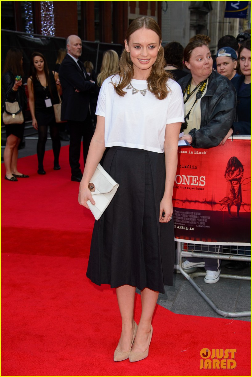 sam claflin brings wife laura haddock to quiet ones world premiere 103082961