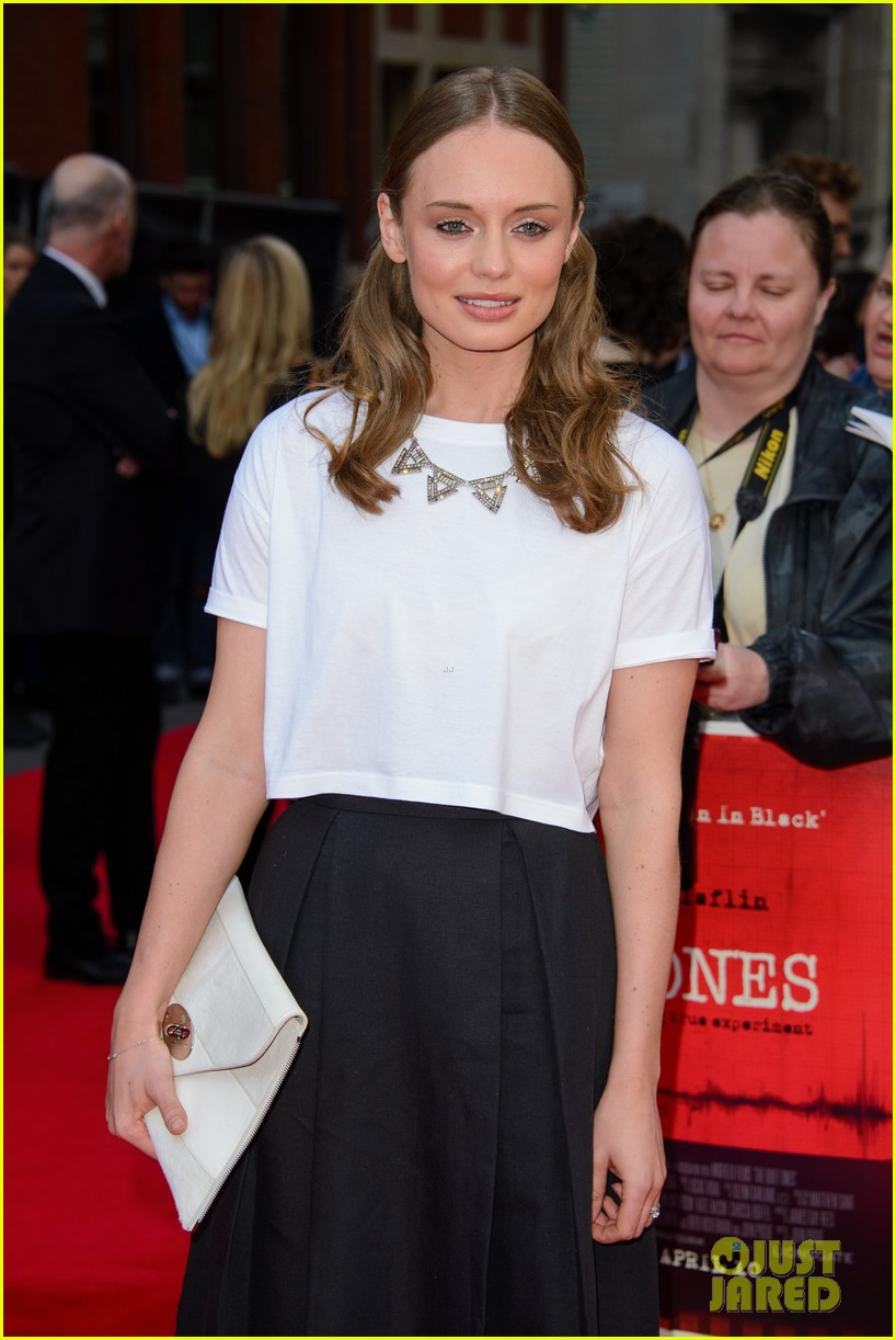 sam claflin brings wife laura haddock to quiet ones world premiere 113082962