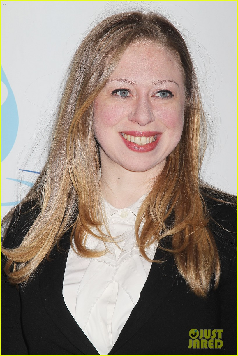 pregnant chelsea clinton makes appearance at riverkeeper event 153101841