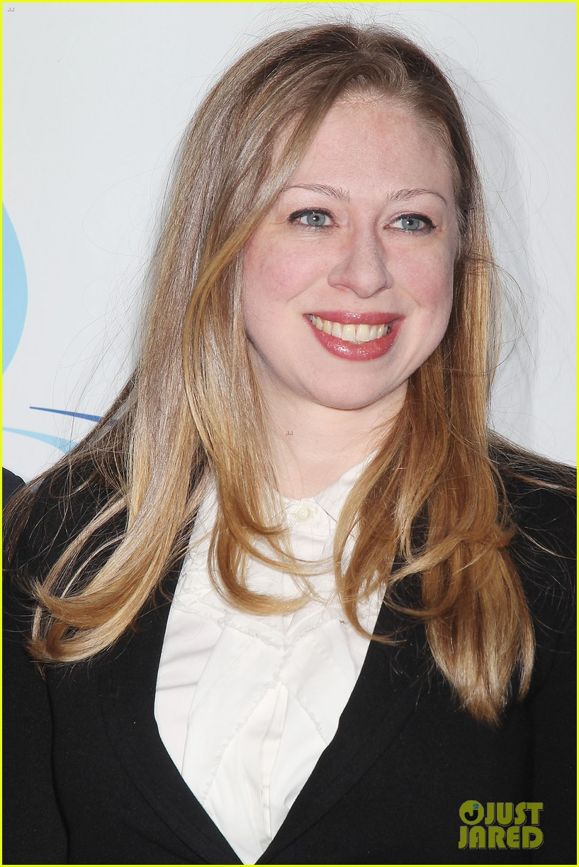 pregnant chelsea clinton makes appearance at riverkeeper event 163101842