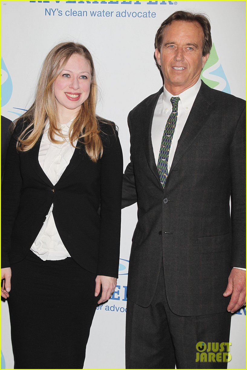 pregnant chelsea clinton makes appearance at riverkeeper event 173101843