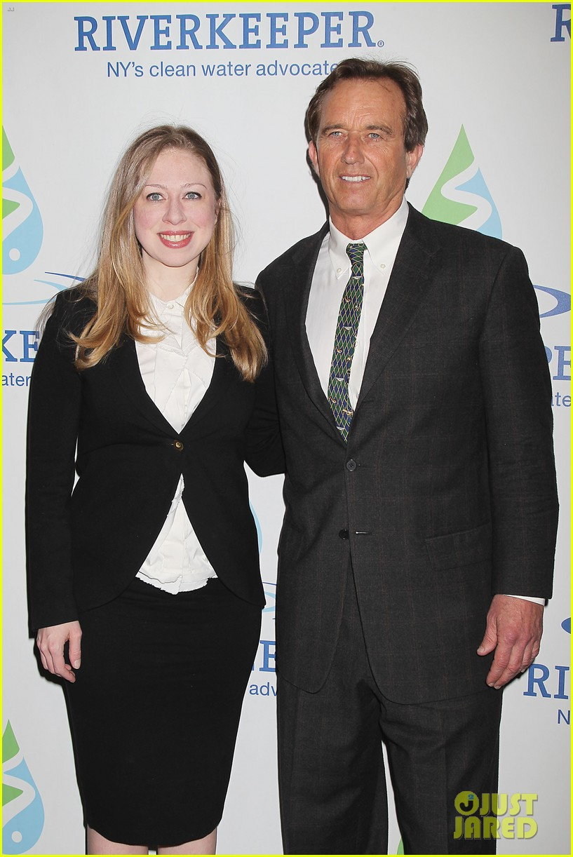 pregnant chelsea clinton makes appearance at riverkeeper event 25