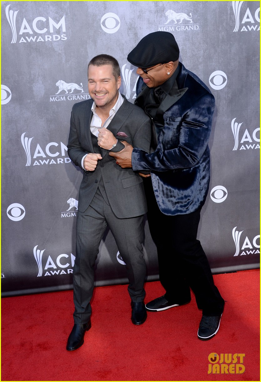 ll cool j chris odonnell buddy up at acm awards 2014 053085875