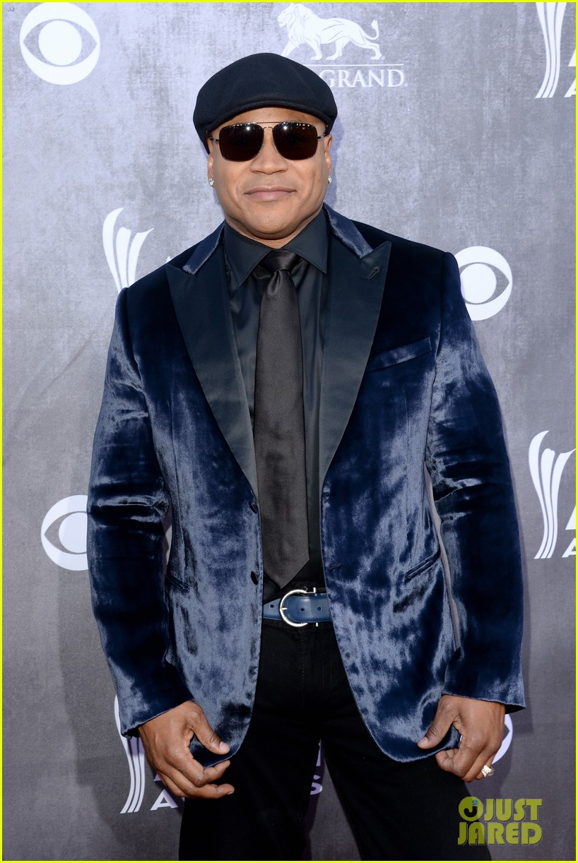 ll cool j chris odonnell buddy up at acm awards 2014 073085877